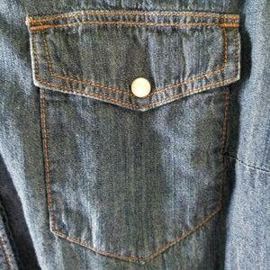 Liz Claiborne Tops - Liz Claiborne Chambray Button-down Shirt Size M